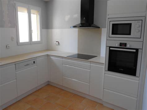 plan de travail cuisine bois cuisines modernes laqué blanc plan et crédence