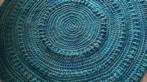 Teppich Selber Häkeln : anleitung sitzpouf sitzkissen oder teppich h keln youtube ~ A.2002-acura-tl-radio.info Haus und Dekorationen
