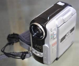Jvc Digital Video Camera 700x Digital Zoom