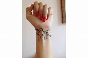 Tatouage Prénom Poignet : tatouage poignet 95 tatouages poignet qui nous inspirent ~ Melissatoandfro.com Idées de Décoration