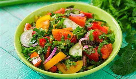 Receptes.lv - Svaigie vasaras salāti