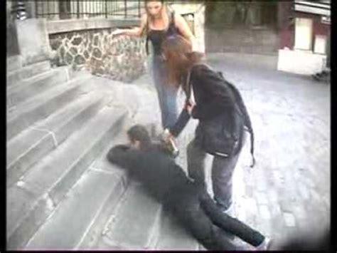 chaise qui se balance qu 39 est ce qui se passe quand on chute dans les escaliers