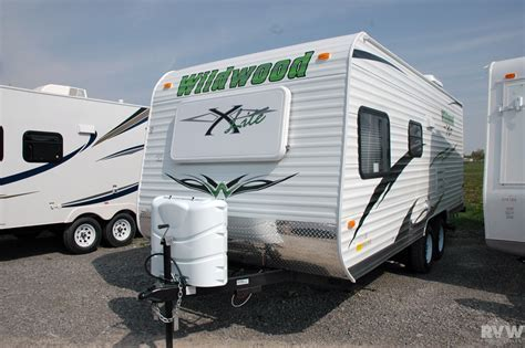 2011 Forest River Wildwood XLite 18BHXL Travel Trailer