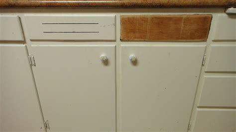 Repair Cabinet Door by How To Repair Make A Wood Cabinet Door Front