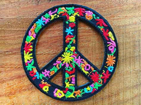 hippie bloemen 25 beste idee 235 n hippie bloemen op bloem