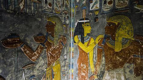 la chambre secrete egypte une chambre secrète découverte dans la tombe de