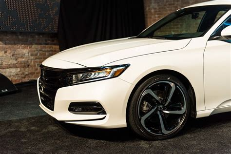 All-new 2018 Honda Accord Sedan Unveiled