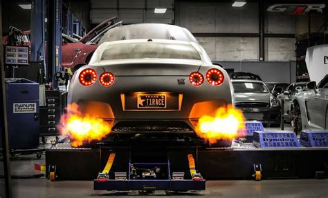 Gtr Shooting Flames Wallpaper by Amazing Gtr Spitting Flames On The Dyno 1 800x1 093 2