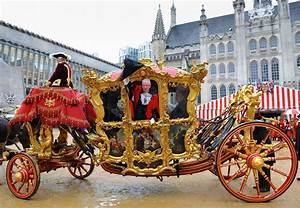 Lord Mayor's Show: Thousands line London procession route ...