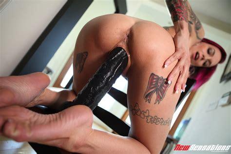 Anna Bell Peaks I Love Big Toys 41