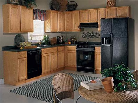 kitchen colors oak cabinets kitchen colors with oak cabinets and black countertops 6579