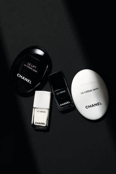 heres    chanel beauty  fall  noir  blanc