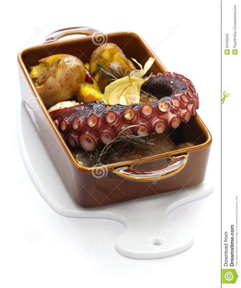 poulpe cuisine poulpe grillé avec des pommes de terre cuisine portugaise