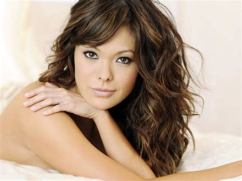 Curly Haircuts For Round Faces Famous Long Hair Cuts