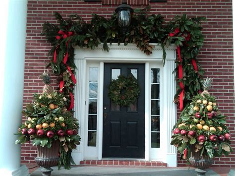 christmas front porch anyone can decorate november 2011