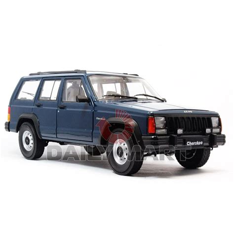 jeep cherokee toy 1 18 scale jeep cherokee 2500 blue diecast toy car model