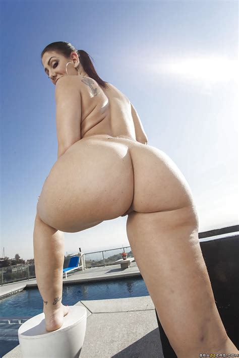 Sightly Babe With Awesome Ass Cheeks Madison Rose