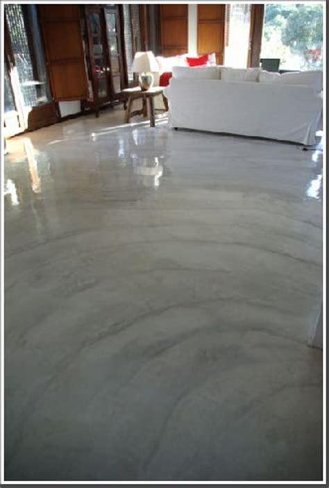 pisos de cemento pulido  interior  curso de