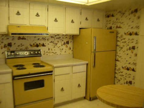 green kitchen canisters sets retro 70 39 s kitchen kitchen design ideas