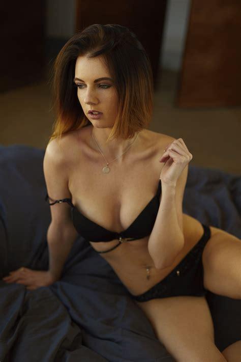 Nude Model Ivonne Photographed By Benedikt Schmucker