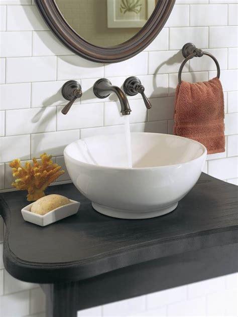 moen torb kingsley  handle wall mounted lavatory