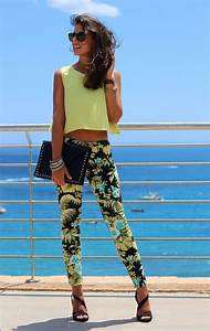 Stylish Escape Tropical Vacation Outfit Ideas To Try Now | HyacinthTrend.com