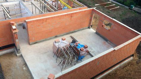 Wieviel Steine Für Garage by Erdgeschoss Mauern Au 223 En Und Innenw 228 Nde Stehen