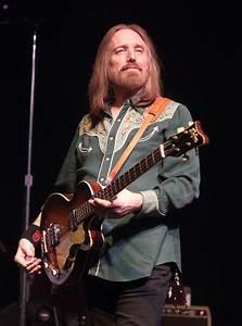 Tom Petty Dead: Rock Legend Who Fronted The Heartbreakers ...