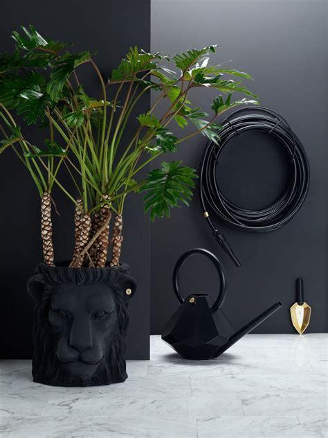 garden glory lion pot gg  sellers hilkeindesigncom