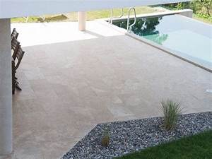 Travertin Exterieur Piscine : classic light carrelage travertin pierre naturelle ext rieur beige clair 1er choi carra france ~ Nature-et-papiers.com Idées de Décoration