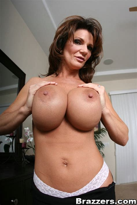 Mature Deauxma With Big Boobs Spreads Her Pussy Horny For