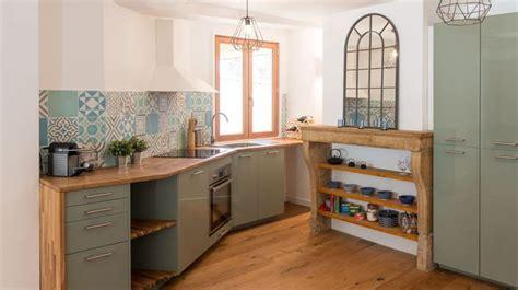 renovation cuisines rustiques rénovation cuisine rustique avec carreaux de ciment avant