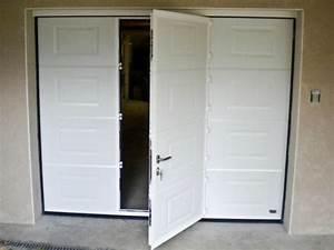 porte de garage sectionnelle a cassette avec portillon With porte de garage avec portillon integre leroy merlin
