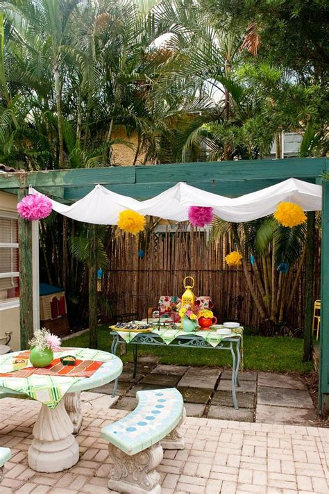 Check spelling or type a new query. 16 Easy DIY Backyard Sun Shade Ideas for your Backyard or Patio - The ART in LIFE