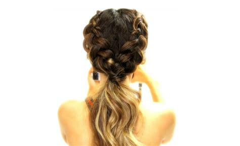 10 Easy And Cute Hair Tutorials For Any Occassion Haircuts For Long Brown Hair How To Do A Perfect Messy Bun With Thin Easy Homemade Hairstyles Grown Up Curly 2 Hide Thinning Crown Bridesmaids Down Easiest Way Curl Your Curling Wand Straighten Wavy No Heat