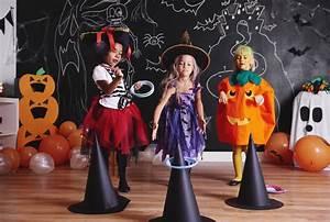 Halloween Spiel QuotHexen Rodeoquot Kindergeburtstag Planende