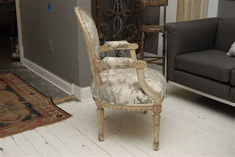 fauteuil style louis 16 louis xvi style painted fauteuil chair omero home