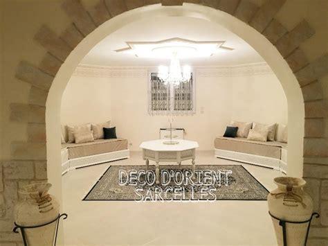 canapé simili cuir blanc déco d 39 orient le salon marocain sur mesure dans le val d