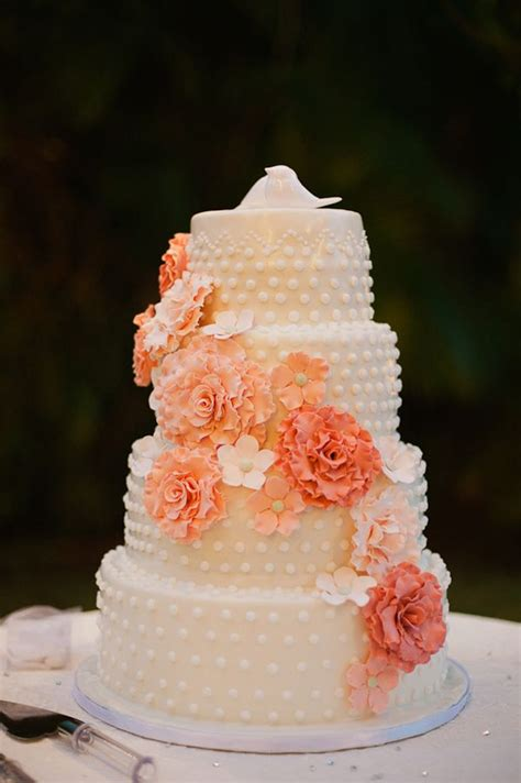 peach wedding cakespeach wedding cake gallery
