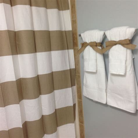 Bathroom Towel Colors by Bathroom Staging To Sell Your Home Neutral Colors Crisp