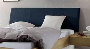 Bett Mit Kopfteil Stoff : stauraumbett in eiche massiv auch mit lattenrost majuro ~ Markanthonyermac.com Haus und Dekorationen