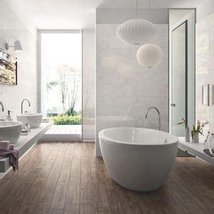 fliesen taupe bad und sanitr bereich gestalten ideen tipps taupe braungrau fliesen badezimmer badezimmer