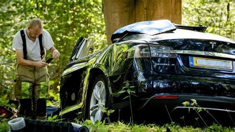 Tesla Model S Crash by Autopilot Is Being Blamed Again For The Crash Of A Tesla