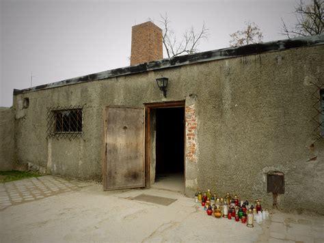 les chambre a gaz chambre à gaz et crématorium auschwitz birkenau pologne