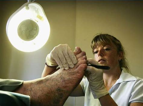 25 Of The Worst Jobs Ever
