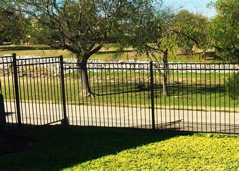 metal fence edmonton commercial chain link fence construction site fence