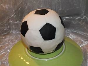 Fußball Torte Rezept : kleiner fu ball ~ Lizthompson.info Haus und Dekorationen