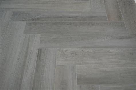 porcelain wood look tile herringbone pattern