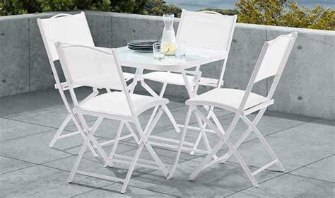 ensemble table et chaise de jardin pas cher ensemble de jardin blanc pas cher 4 places 1 table et 4