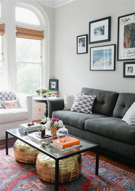 what colour goes with charcoal grey sofa what color rug goes with a grey couch roselawnlutheran